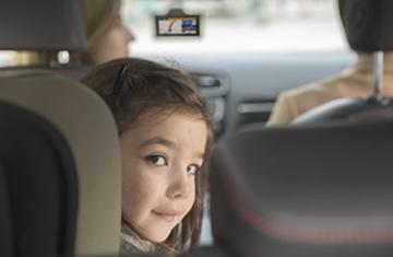 Garmin DriveSmart 70 LMT-D EU Navigationsgerät 17,6 cm (7 Zoll) Touch-Glasdisplay, lebenslange Kartenupdates, Verkehrsfunklizenz, Sprachsteuerung) -